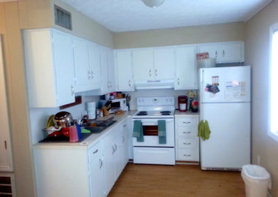 Kitchen of Broadway Apartments in Auburn, AL