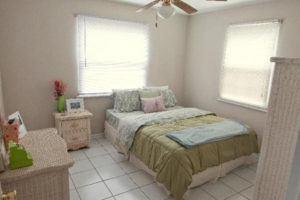 Bedroom of Columns Apartments in Auburn, AL
